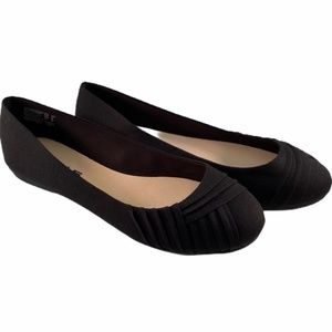 American Eagle Fabric Black Flat Shoes Size 12W
